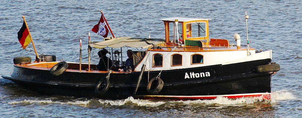 ALTONA unterwegs auf der Elbe
