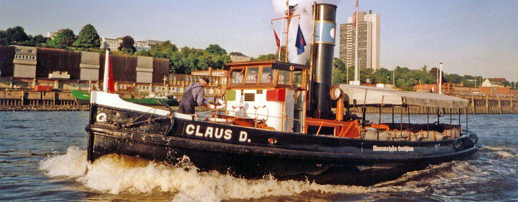 Dampfschlepper CLAUS D. auf der Elbe vorm alten Fischereihafen