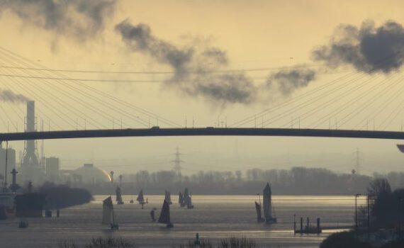 Konsul Klöben Gedächtnisfahrt vor der Köhlbrandbrücke 2013